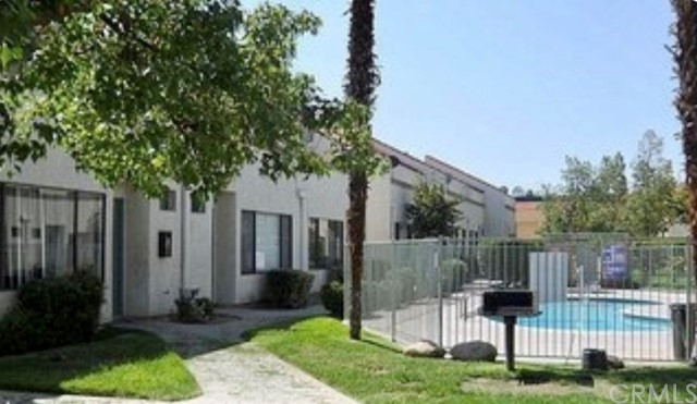 1329 W Latham Ave, Hemet, CA 92543