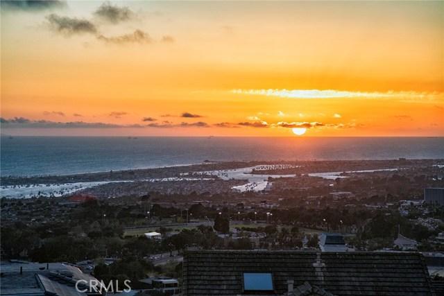 15 Muir Beach Circle, Corona del Mar, CA 92625