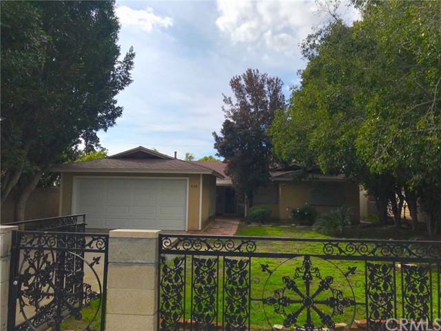 908 S Orange Avenue, Santa Ana, CA 92701
