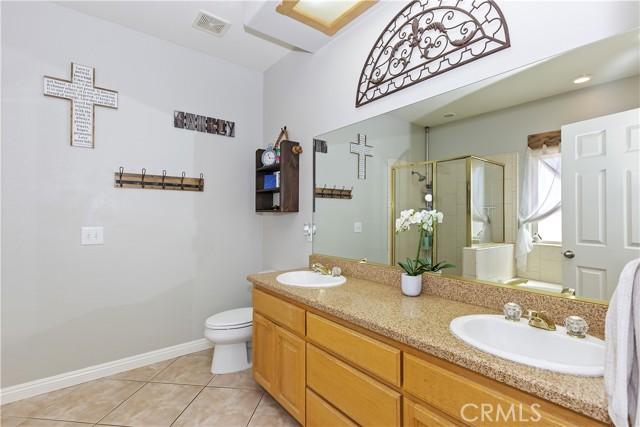 6725 Fremontia St, Oak Hills, CA 92344 Photo 18