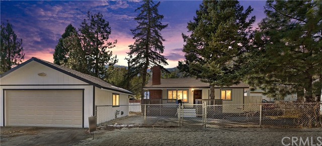 957 Evergreen Rd, Wrightwood, CA 92397