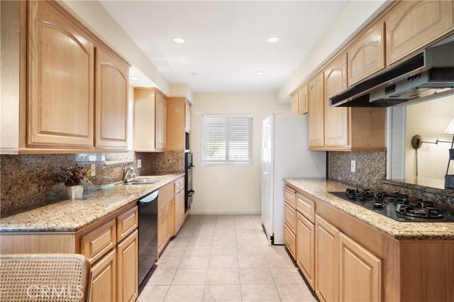 20. 23800 Tiara Street Woodland Hills, CA 91367