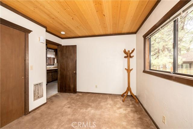 463 San Bernardino Avenue, Sugar Loaf, California 92386, 2 Bedrooms Bedrooms, ,1 BathroomBathrooms,Residential,For Sale,San Bernardino,EV21156040