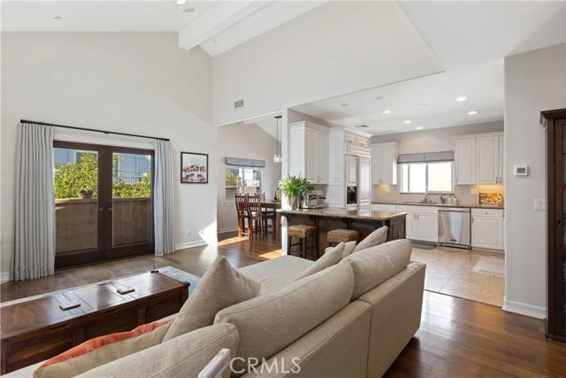 621 Broadway B, Redondo Beach, California 90277, 4 Bedrooms Bedrooms, ,2 BathroomsBathrooms,For Sale,Broadway,SB21036343