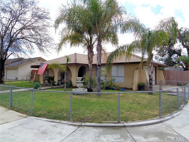 495 W Paisley Avenue, Hemet, CA 92543