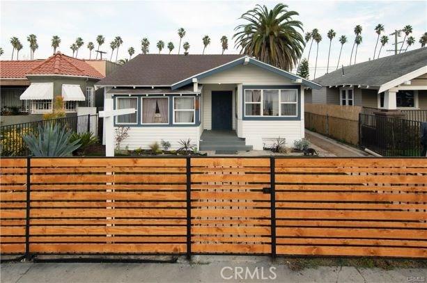 4502 S Van Ness Avenue, Los Angeles, CA 90062