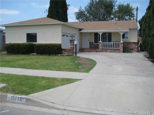 12033 209th Street, Lakewood, CA 90715