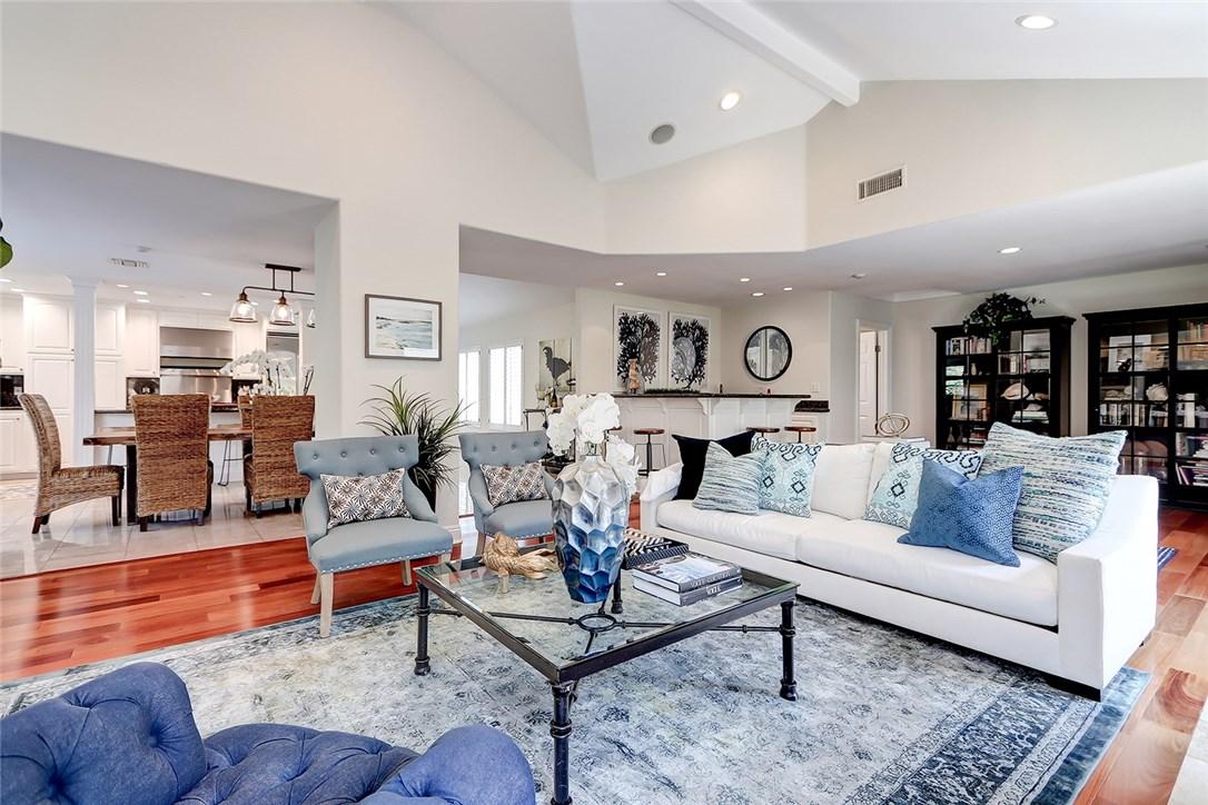125 Juanita Avenue C, Redondo Beach, California 90277, 4 Bedrooms Bedrooms, ,For Sale,Juanita,SB20158446