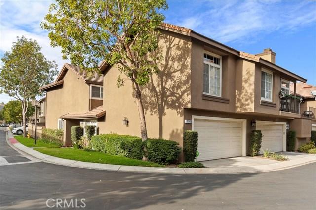 8242 E Oak Ridge Cir, Anaheim Hills, CA 92808