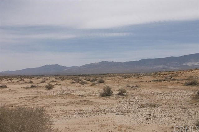 10 Rodeo Road, Lucerne Valley, CA 92356