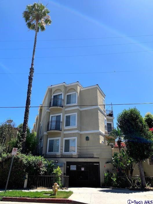 18644 Clark Street 5, Tarzana, CA 91356