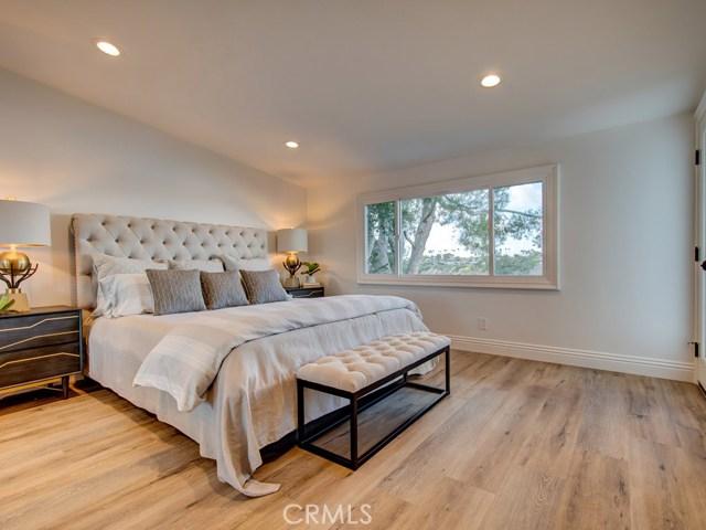 地址: 2135 Vista Entrada , Newport Beach, CA 92660