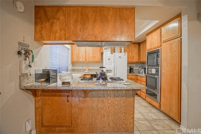 9860 Steamboat Dr, Montclair, CA 91763 Photo 8