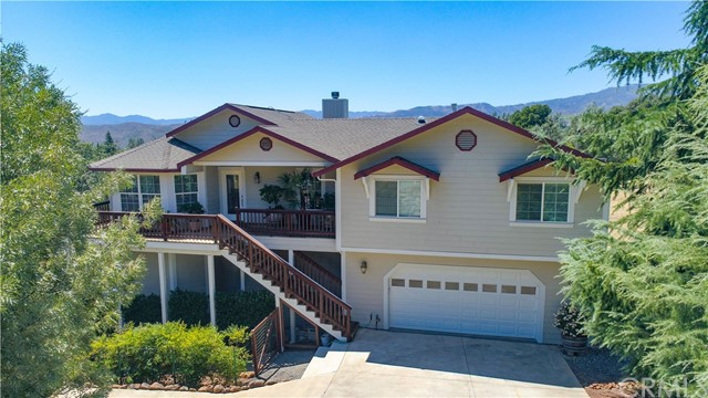 Photo of 16513 Hacienda Court, Hidden Valley Lake, CA 95467