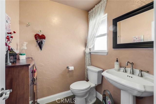 10260 Whitehaven St, Oak Hills, CA 92344 Photo 25