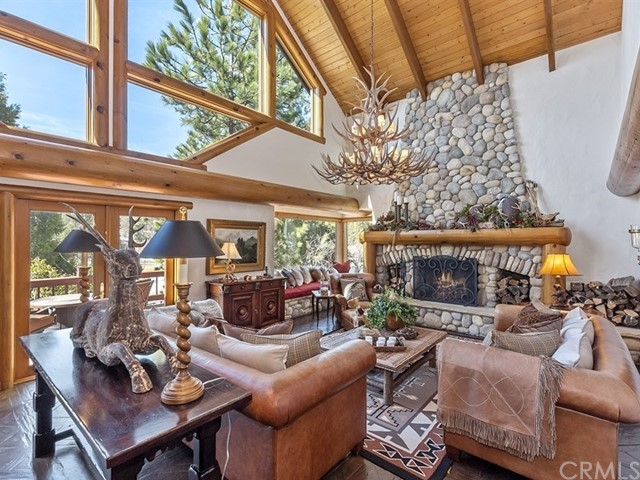364 Golf Course Road, Lake Arrowhead, CA 92352