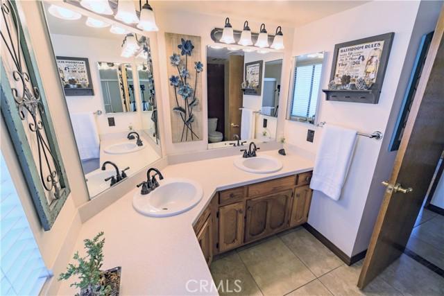 Hallway Bathroom with dual sinks!
