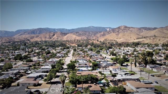 5618 Golondrina Drive, San Bernardino CA: https://media.crmls.org/medias/9bd3ef46-3190-489c-9267-6fd32e3cbc09.jpg