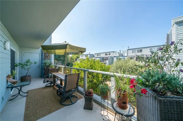 210 The Village 202, Redondo Beach, CA 90277