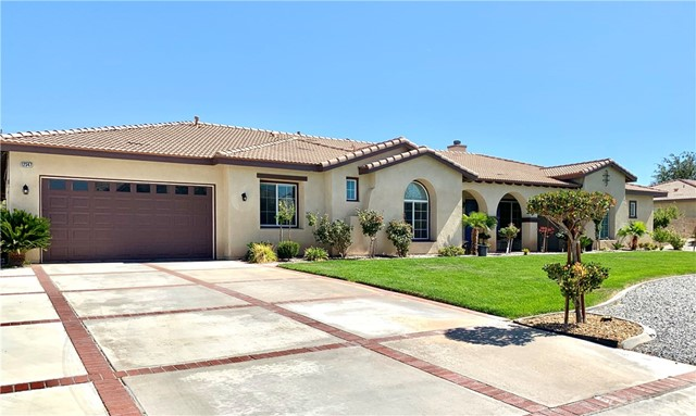 12347 Macintosh Street, Apple Valley, CA 92308