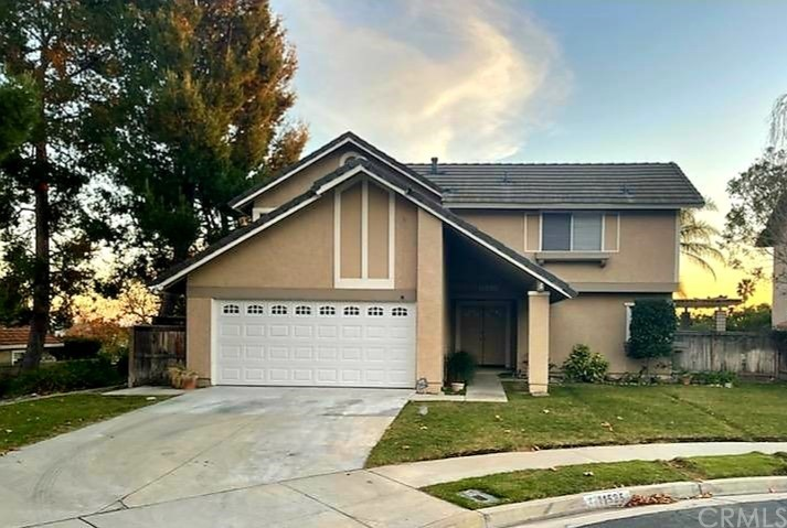 Beautiful home located at the end of a cul-de-sac.  Located close to schools, shopping and freeway.
