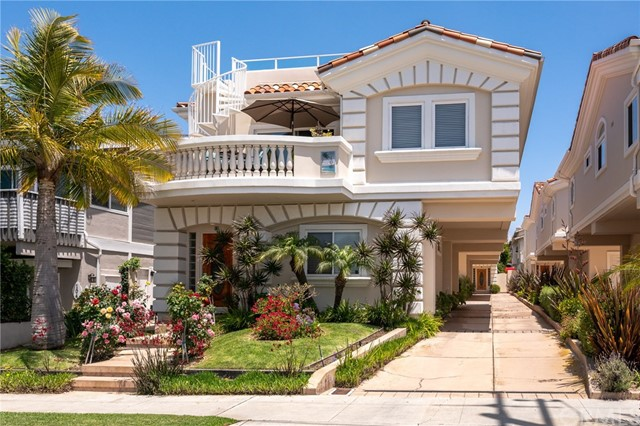 106 Francisca Avenue B, Redondo Beach, California 90277, 3 Bedrooms Bedrooms, ,3 BathroomsBathrooms,For Sale,Francisca,SB20100094