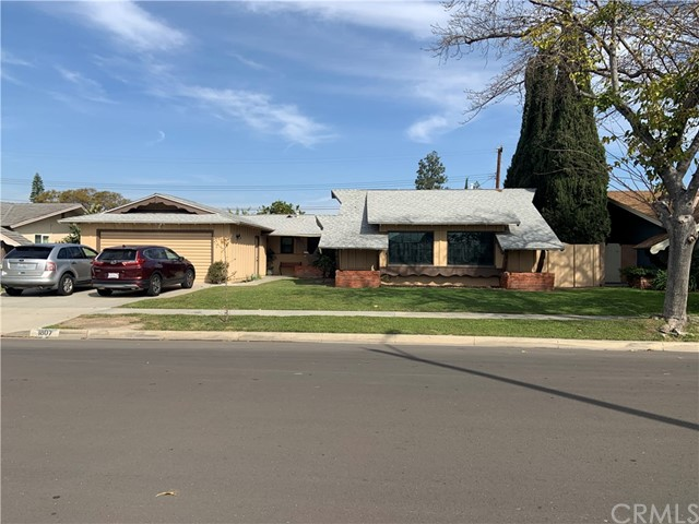 1807 W Chanticleer Road, Anaheim, CA 92804