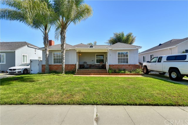 2270 Pepperwood Avenue, Long Beach, CA 90815