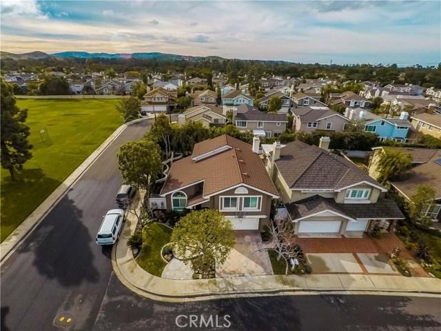 2 Laurelglen, Irvine, CA 92614