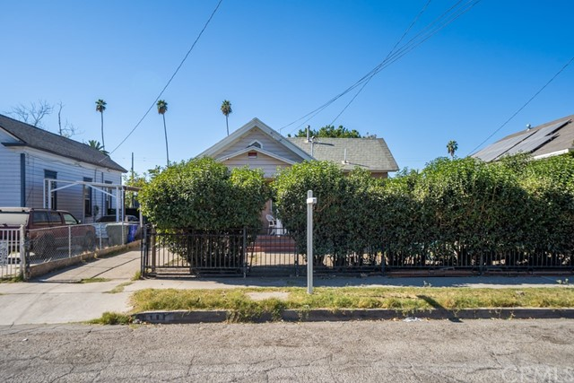 844 N Mayfield Avenue, San Bernardino, CA 92401