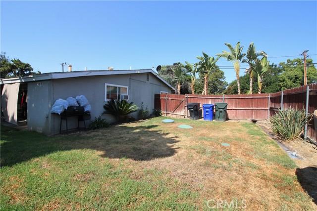 Large yard/corner lot