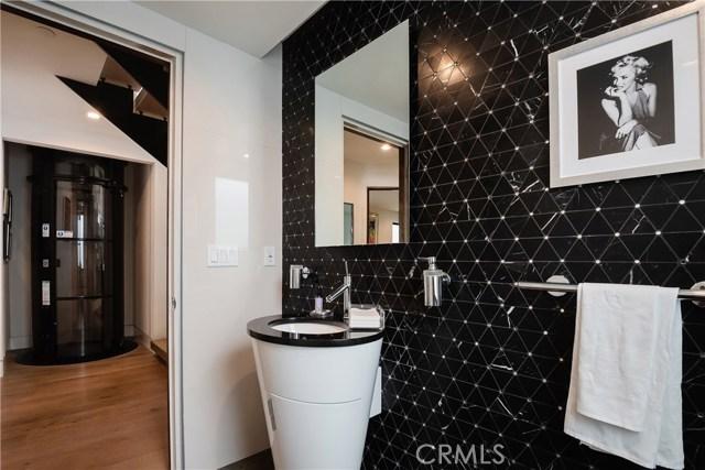 322 Manhattan Avenue, Hermosa Beach, California 90254, 4 Bedrooms Bedrooms, ,6 BathroomsBathrooms,For Sale,Manhattan,SB21015658