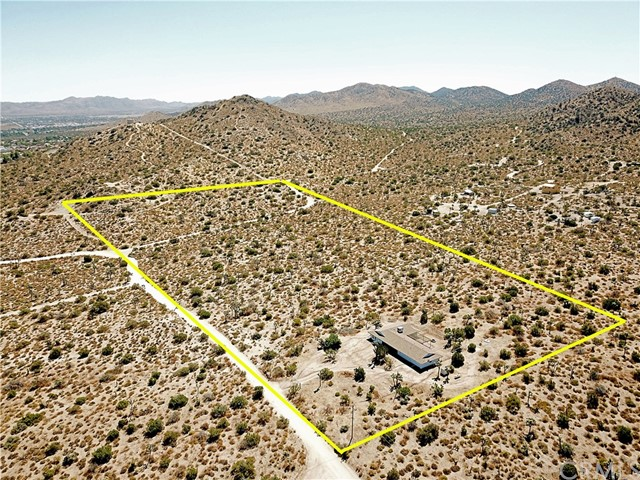 55137 Hoopa, Yucca Valley, CA 92284