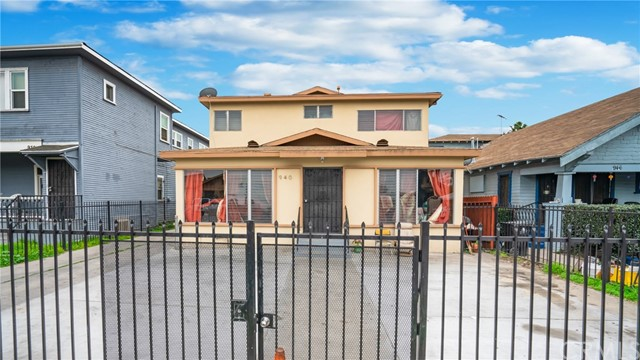940 W 48th Street, Los Angeles, CA 90037