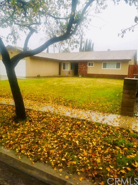 860 S Wisteria Avenue, Bloomington, CA 92316
