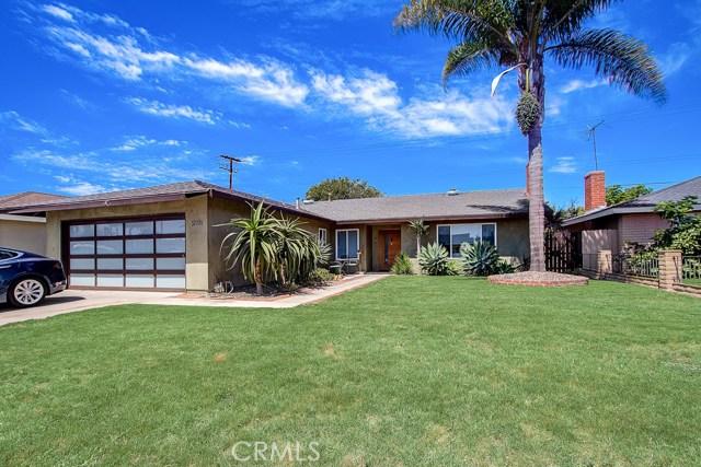 20751 Kelvin Lane, Huntington Beach, CA 92646