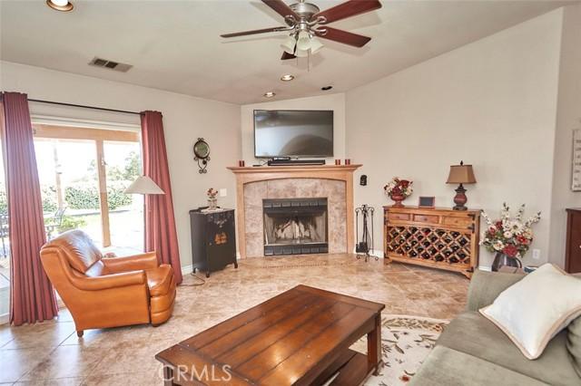 10224 Whitehaven St, Oak Hills, CA 92344 Photo 12