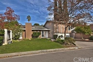 12343 Calvert Street, North Hollywood, CA 91606