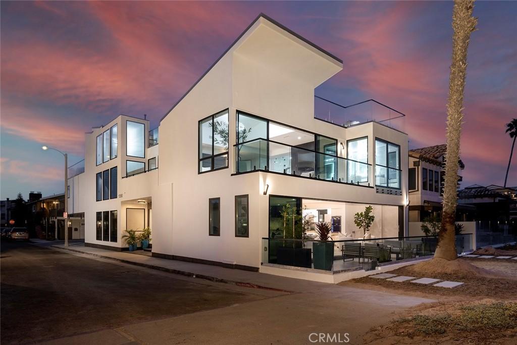 Photo of 1350 E Oceanfront, Newport Beach, CA 92661