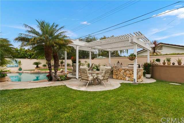 35. 2016 Calvert Avenue Costa Mesa, CA 92626