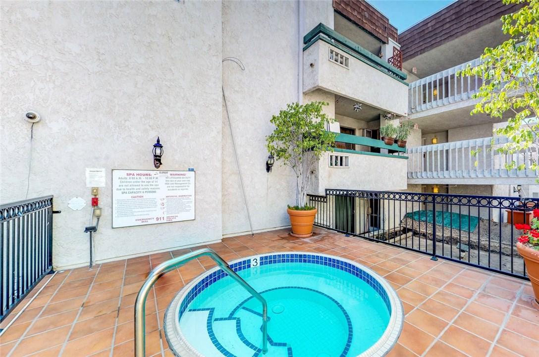 360 S Euclid Av, Pasadena, CA 91101 Photo 16
