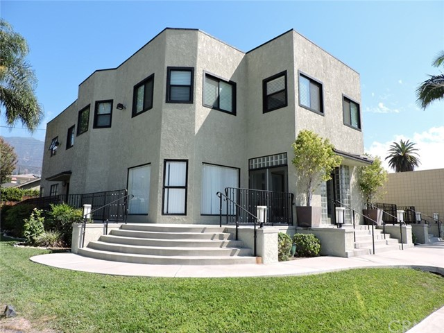 345 W Foothill Boulevard, Monrovia, CA 91016