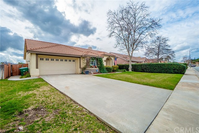 5082 Spring View Drive, Banning, CA 92220
