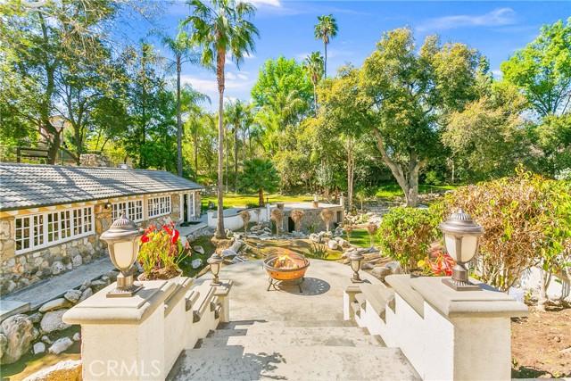 40. 521 S Grand Avenue West Covina, CA 91791