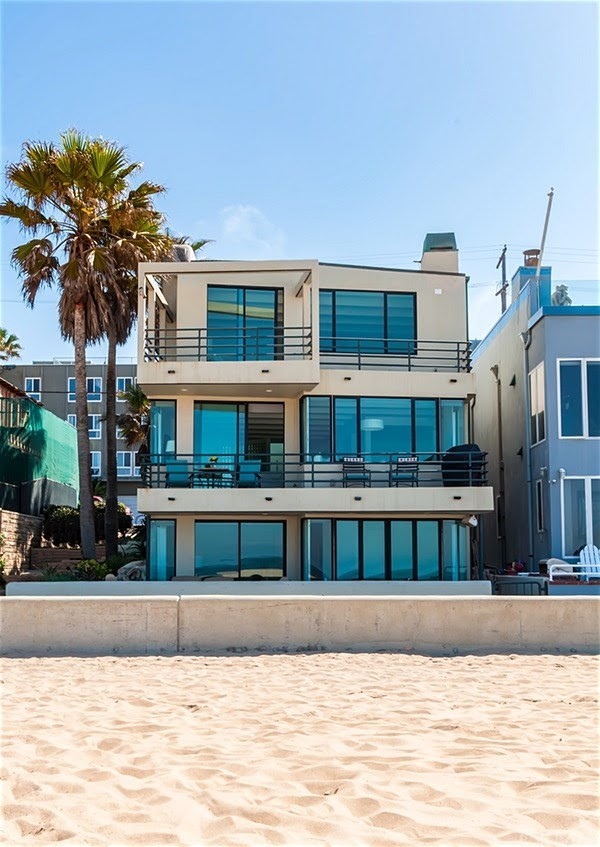 3320 The Strand, Hermosa Beach, CA 90254