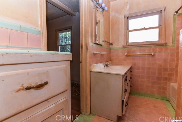 1667 Kenilworth Av, Pasadena, CA 91103 Photo 15