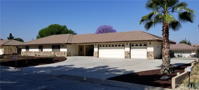 573 Lauresa Lane, Hemet, CA 92544