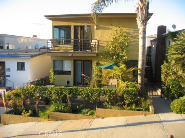 221 19th Street, Manhattan Beach, California 90266, 3 Bedrooms Bedrooms, ,2 BathroomsBathrooms,For Sale,19th,S914283