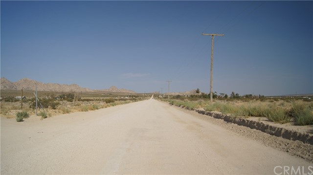 37023 Rabbit Springs Rd, Lucerne Valley, CA 92356 Photo 11