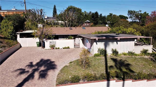 3 Brokenbow Lane, Rolling Hills Estates, California 90274, 3 Bedrooms Bedrooms, ,2 BathroomsBathrooms,For Sale,Brokenbow,OC20239081
